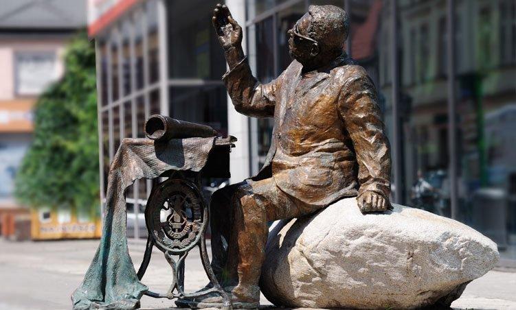 Pomnik Adama Giedrysa – Szczecinecki astronom